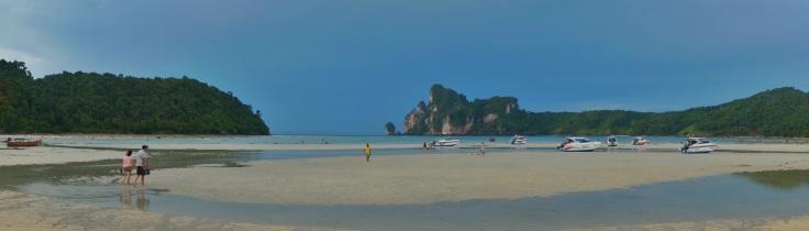 Loh Dalum Bay, Phi Phi Don