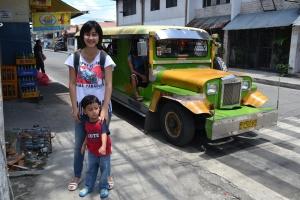 Jeepney-nya warna warni