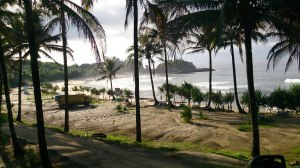 Jalan masuk menuju Pantai Klayar