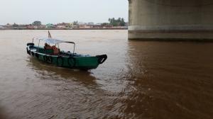 Perahu menuju Pulau Kemaro