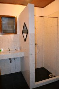 Kamar mandinya