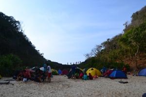Area perkemahan di pantai