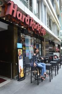 Numpang foto di Hard Rock Cafe
